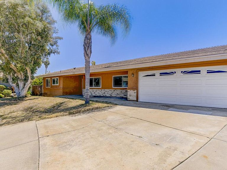 1701 Timothy Pl, Vista, CA 92083